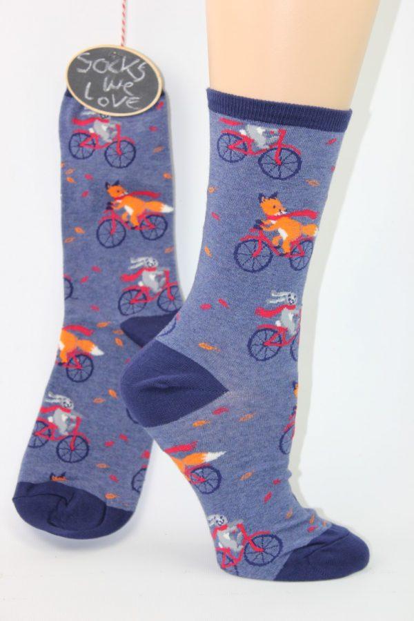 Vos konijn op de fiets
