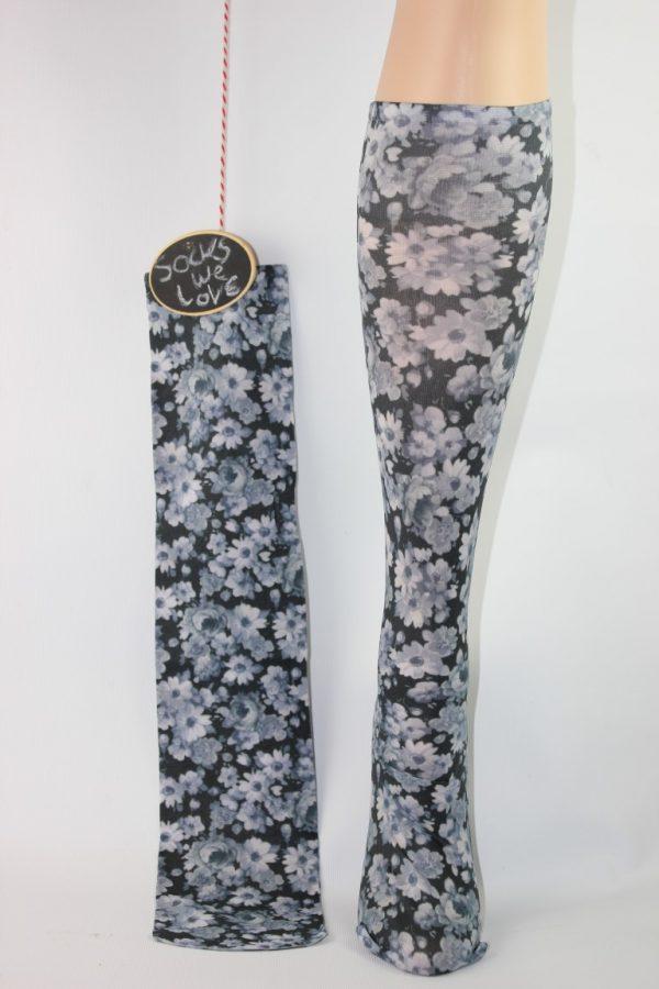 zwart grijze bloem